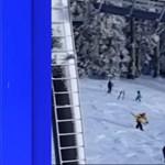 Rémálom a síliften: fejjel lefelé lógott a snowboardos - videó