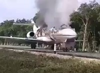 Több száz kiló kokaint találtak Mexikóban egy lángokban álló repülőgép közelében