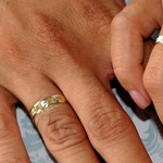Nem tesz jót a stressz a nőnek, így lánykérés után villámgyorsan feleségül vették