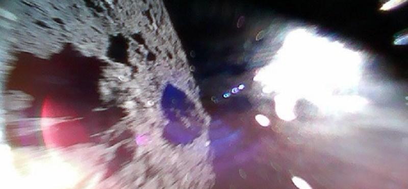 77 krátert találtak a 900 méteres Ryugu aszteroida felszínén