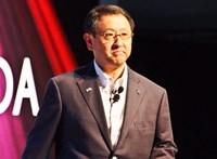 A Toyota a legnagyobb hibridevangélista, azért nézzék meg, mivel jár a vezére