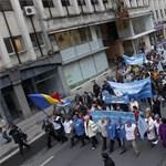 Százezer közalkalmazottat bocsáthatnak el a tanárok fizetésemelése miatt Romániában?