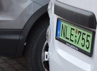 Csak a tisztán elektromos autók parkolhatnának ingyen a fővárosban