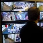 A főnök szeme mindent lát? Meddig terjedhet a megfigyelés a munkahelyen?