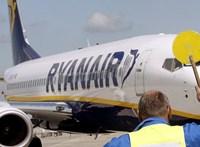 Elnézést kért a Ryanair a Ferihegyen veszteglő utasoktól