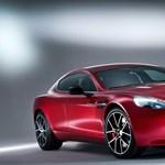 Megérkezett az Aston Martin legerősebb négyajtósa
