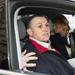 Terroristáknak kijáró szigorral bántak Lajcsival az ügyvédje szerint