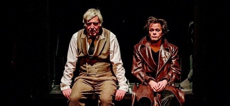 """""""Remek, megjelent a színpadon a félelem"""" – Esterházy utolsó drámája"""