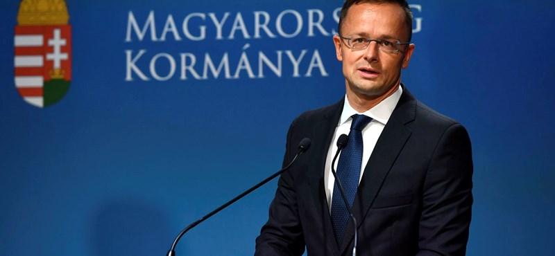 """""""Szilveszteri tréfának is rossz"""" - Szijjártó nem hagyta szó nélkül Juncker kritikáját"""