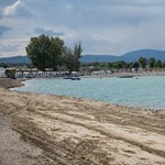 1200 férőhelyes parkolót építenek a Lupa-tó mellé