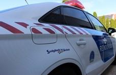 Egy román trélerről leesett rámpa rongált meg 14 autót az M0-son