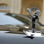 A milliárdosok már vágják a centiket: július végén itt az új csúcs Rolls-Royce