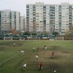 """""""A lehető legtávolabb a Bajnokok Ligájától"""" – magyar pálya is bekerült a különleges fotósorozatba"""