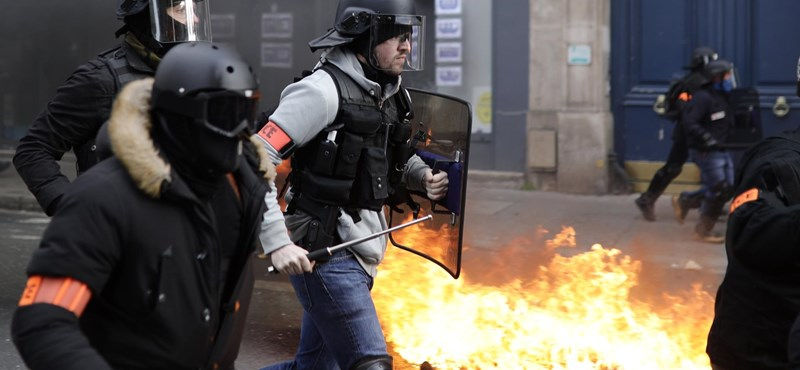 Az elharapózó tüntetéseket és a rendőri erőszakot is elítélte az EP