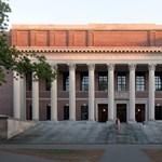 Friss egyetemi rangsor: két magyar intézmény a legjobbak között