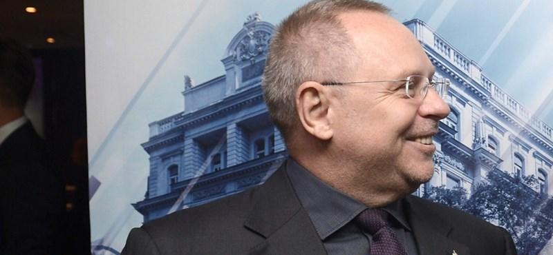 A kegyvesztett Spéder elvesztette az FHB Bankot is