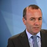 Weber nem akar további szakadást, inkább megvédi Orbánt