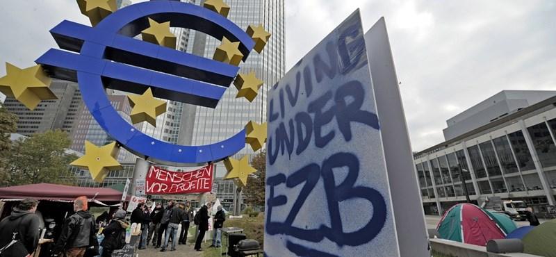 Már több hónapja nem vett államkötvényt az EKB