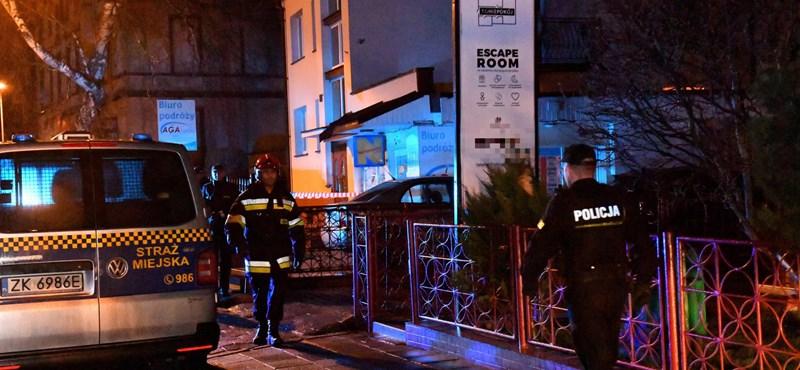 Öt lengyel tinédzser halt meg egy kigyulladt szabadulószobában