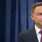 Csoda Lengyelországban: a kormányközeli elnök megvétózta a kispártokat ellehetetlenítő törvényt