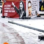 Plakátra teszi a határzárat kritizálókat a Fidelitas