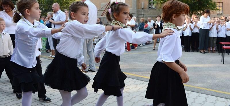 Több mint 1,3 millió diák kezdi meg a tanévet szeptember 2-án