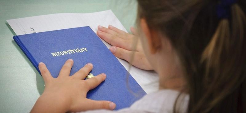 Már lehet pályázni az Útravaló-ösztöndíjakra