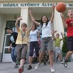 Rövidebb nyári szünet: a Pedagógusok Szakszervezete nem tartja jó ötletnek