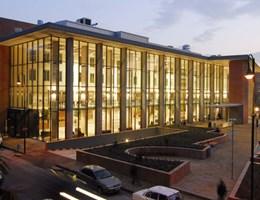 Nem tudnak visszajönni vizsgázni, petíciót indítottak a Semmelweis Egyetem külföldi orvostanhallgatói