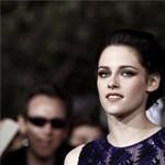 Kristen Stewart bocsánatot kért, amiért megcsalta Pattinsont