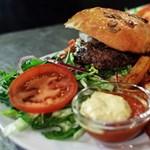 A legjobb budapesti hamburgerezők toplistája
