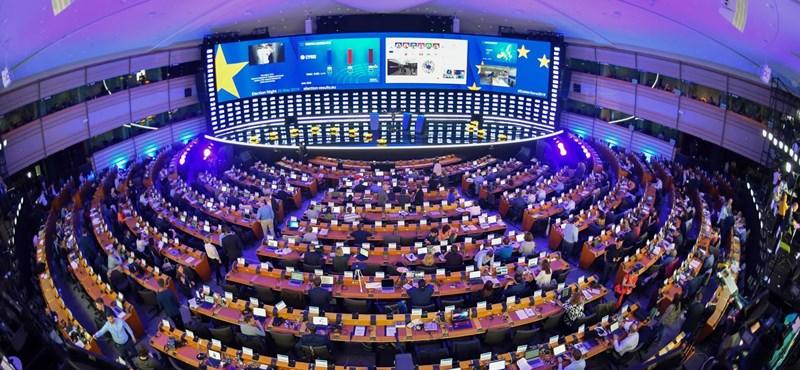 Frissítették az EP-mandátumbecslést, a Néppártnál örülhetnek az új eredménynek