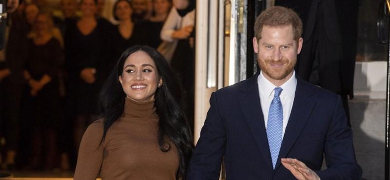 Először jelent meg a nyilvánosság előtt Harry és Meghan, mióta kivonultak a királyi családból