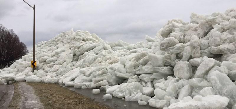 Döbbenetes képsorok: jégcunami zúdult egy amerikai kisvárosra