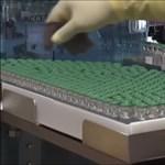 Videó a gyárból: így készül az Astrazeneca vakcinája