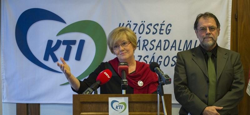 Három kulccsal forradalmasítanák az adózást Szili Katalinék