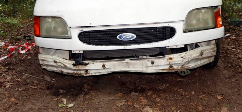 Ellopott egy kisteherautót, feltankolta, majd kirabolt vele egy autómosót