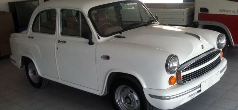 Ikonikus autómárkát vásárolt meg a Peugeot