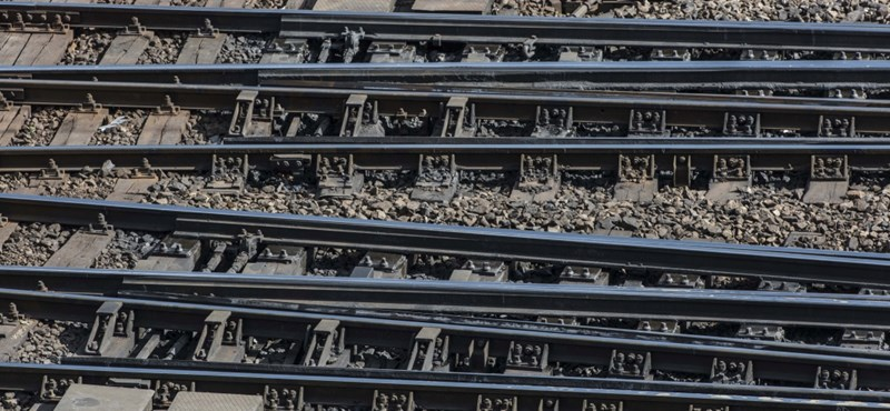 """A quick-rail can be built in our neighbors """"width ="""" 800 """"height ="""" 370"""