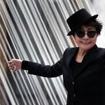 Bombahír a kortárs szcénában: Ai Wei Wei mellett egy magyar művészt tüntet ki Yoko Ono a Lennonról elnevezett díjjal