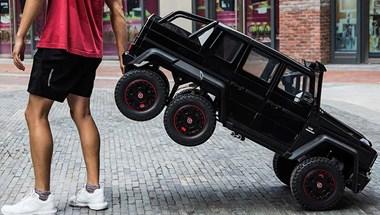 Ha apukának van, a gyerek is járhat Mercedes-AMG G63 6x6-tal