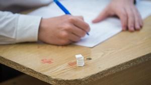 Ma írják a pótló vizsgát a középiskolába felvételizők
