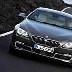 A BMW rálép a gázra