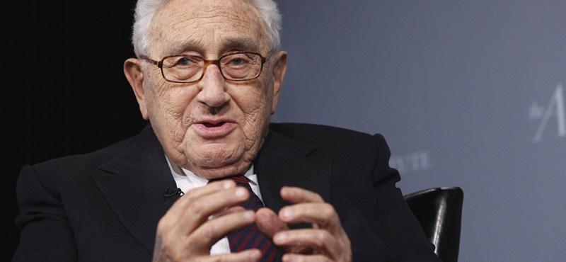 A történelem mégis megismétli önmagát? Kissinger Pekingben, békéltető küldetésen