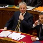 """""""Orbán Viktor taktikázik, időt szeretne nyerni"""""""