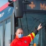 Felirattal jelzik a BKK járművein, ha valakinek a mentők segítségére van szüksége