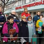 """""""Ingyen és ágyon"""" - Flashmobot szerveztek a Heim Pál kórház elé"""