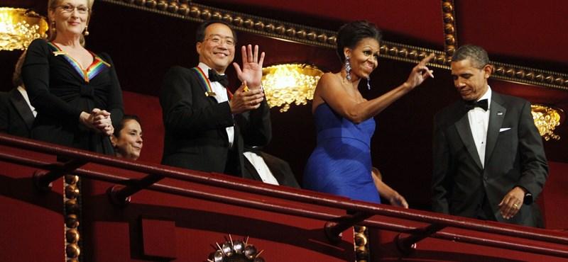 Felesége szerint Obama hülyén táncol