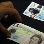 Nem csökken a lemaradásunk, Angliában is emelkednek a bérek