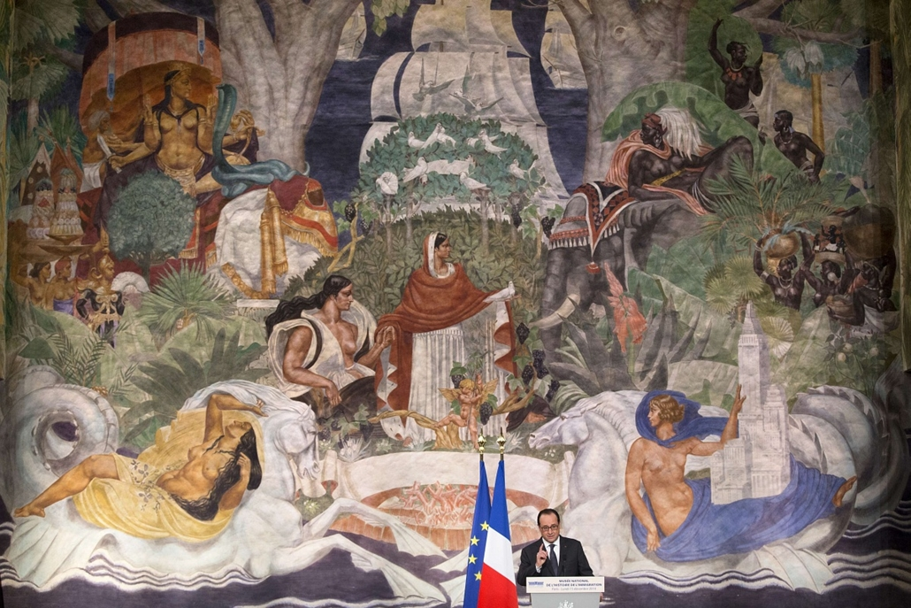 afp. hét képei - 2014.12.15. Párizs, Franciaország,  Francois Hollandebeszéde, French President Francois Hollande makes his speech after visiting the History of Immigration Museum in Paris, France, 15 December 2014.